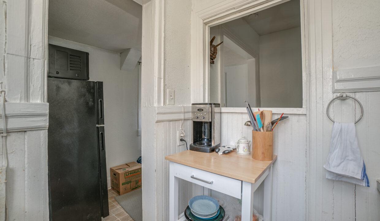054 Kitchen