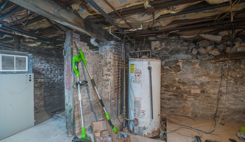 065 Apt 6 Water heater