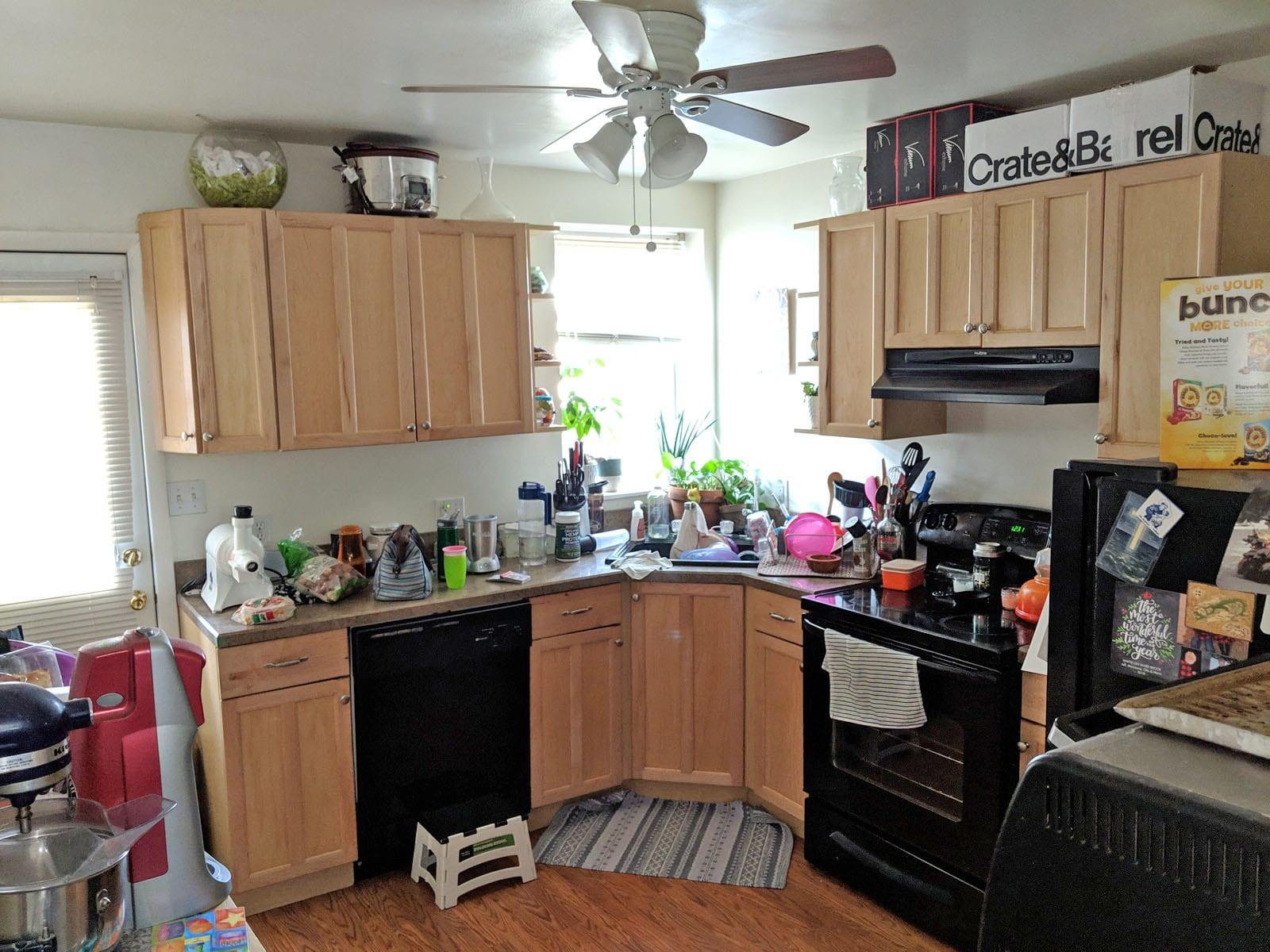 122 2304 Kitchen