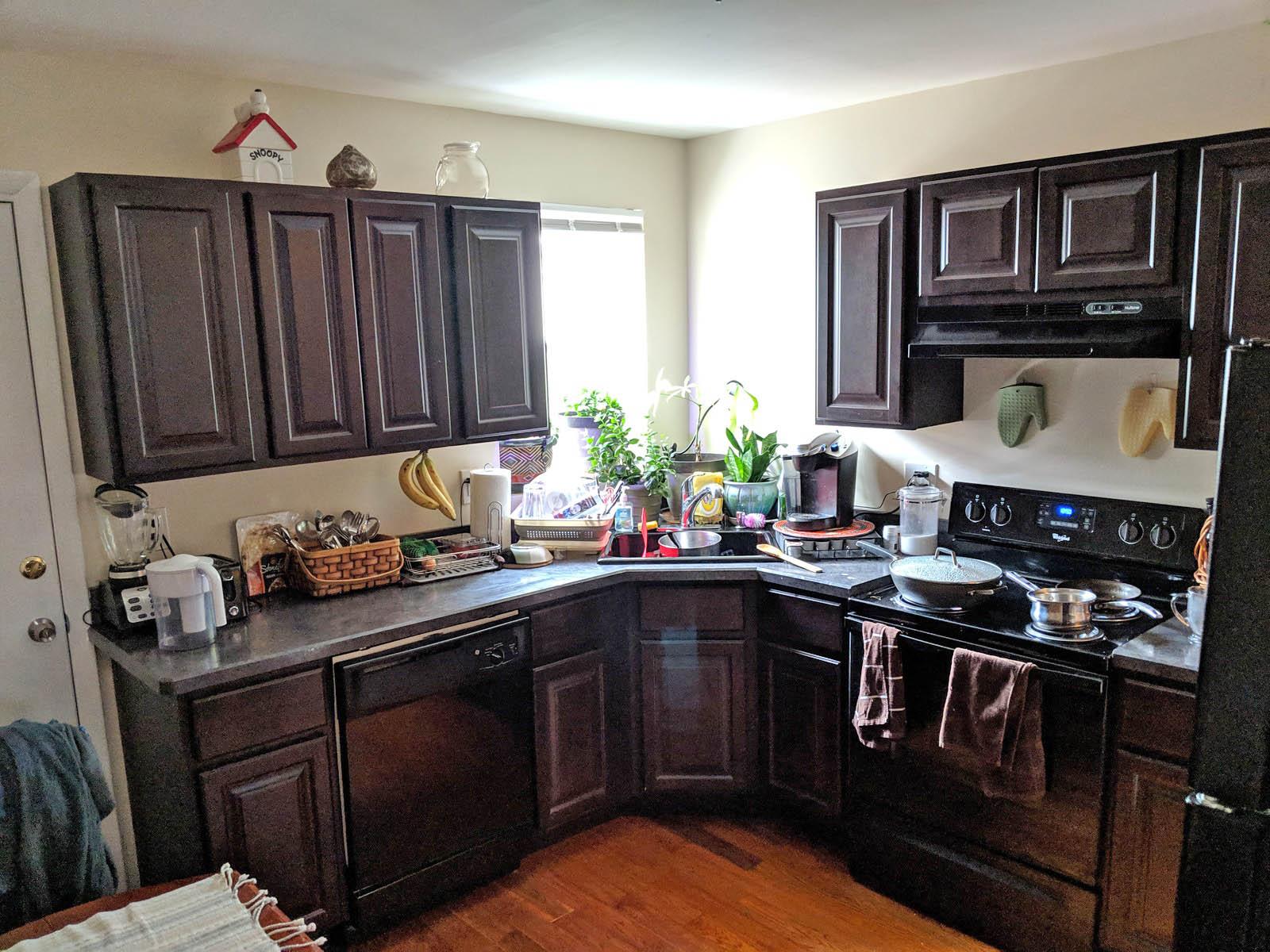 232 2307 Kitchen