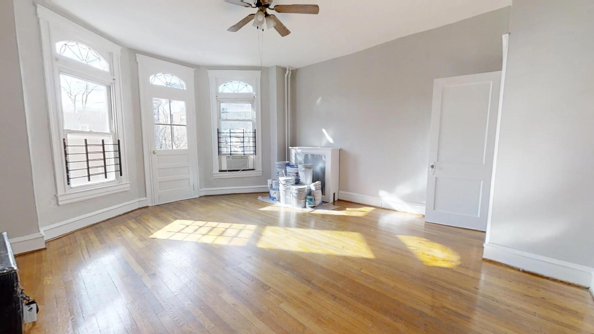 3133 N Calvert St ~ 1 Bedroom Apartment / Huge Living Room / Backyard