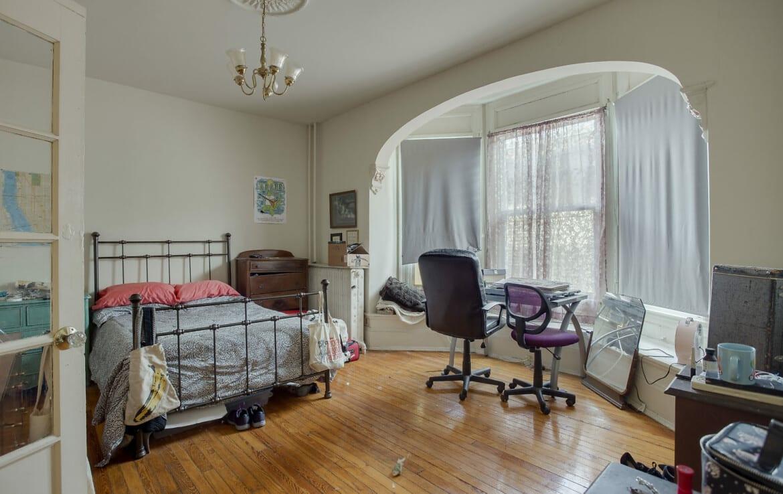 read bedroom