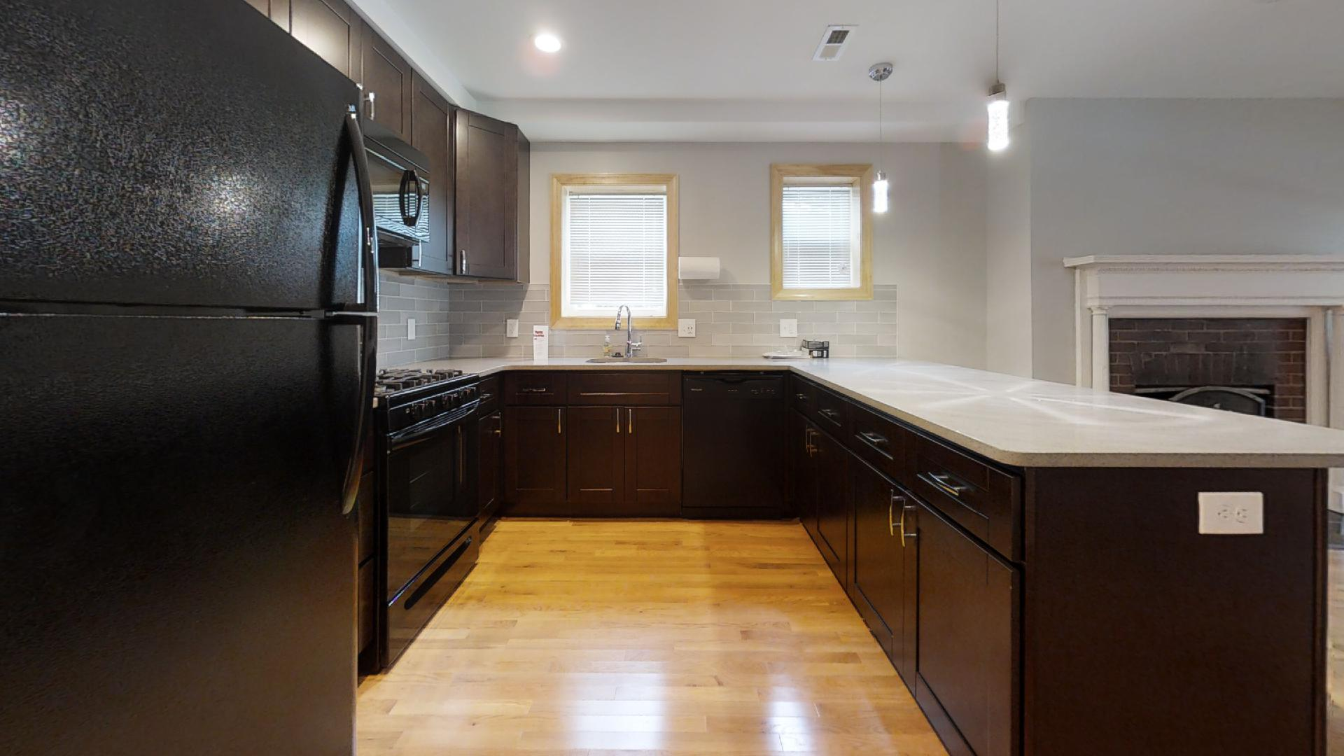4201 Roland Ave Luxurious 1 Bedroom In Historic Roland