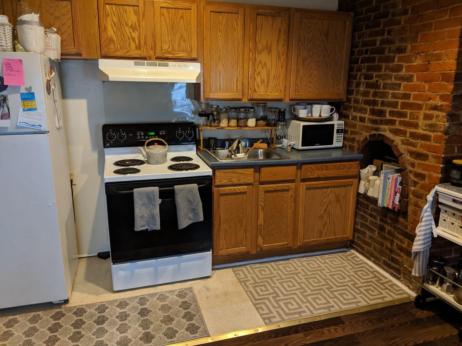 51 617 Paca 2 Kitchen