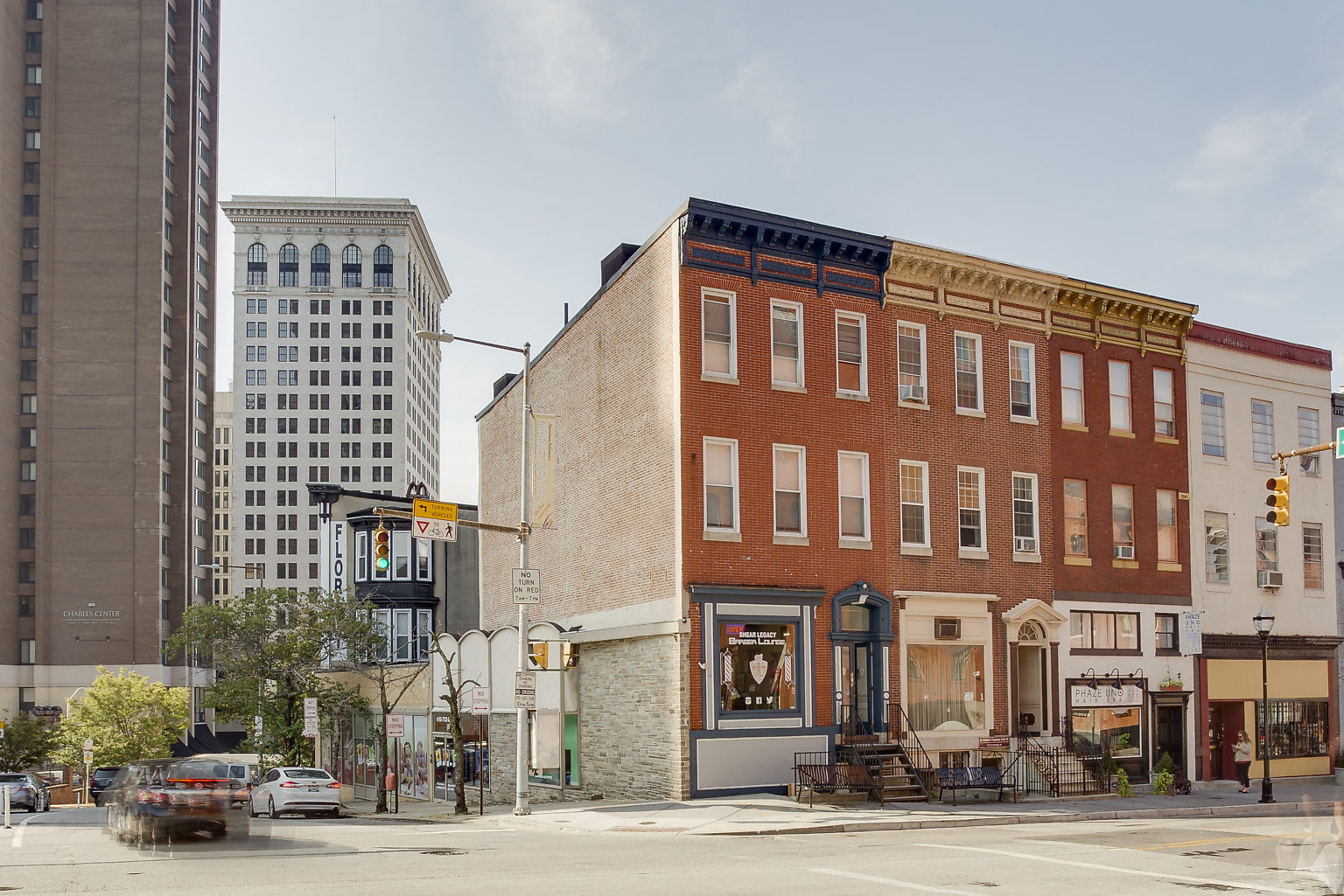 105 Saratoga St: 2 Stores + 2 Apartments Totally Renovated Downtown