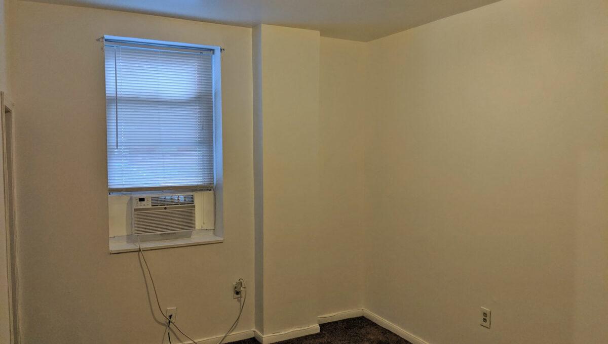 18-1st-Flr-Living-room