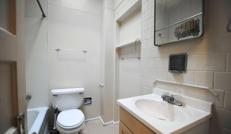 33 unit 3 bath