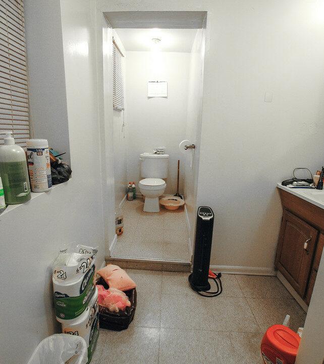 66 unit bsmt bath