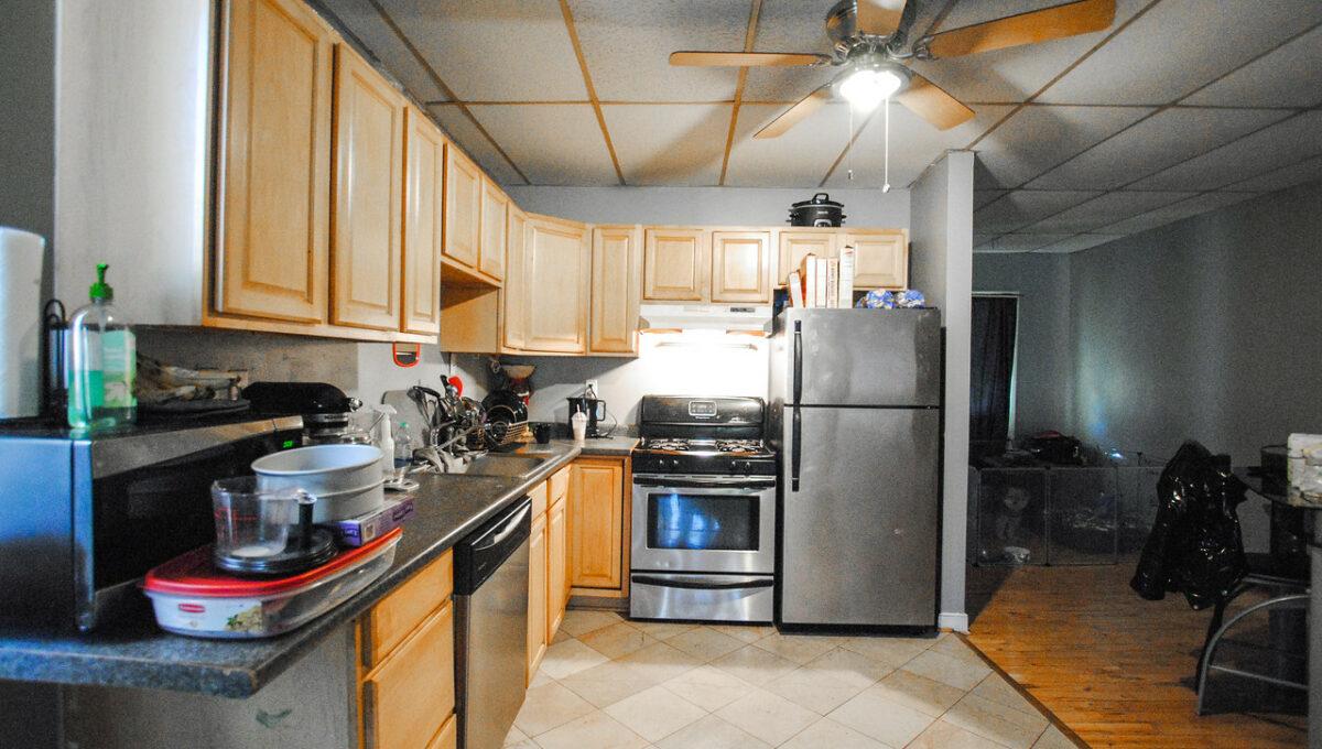 12 apt 1 kitchen