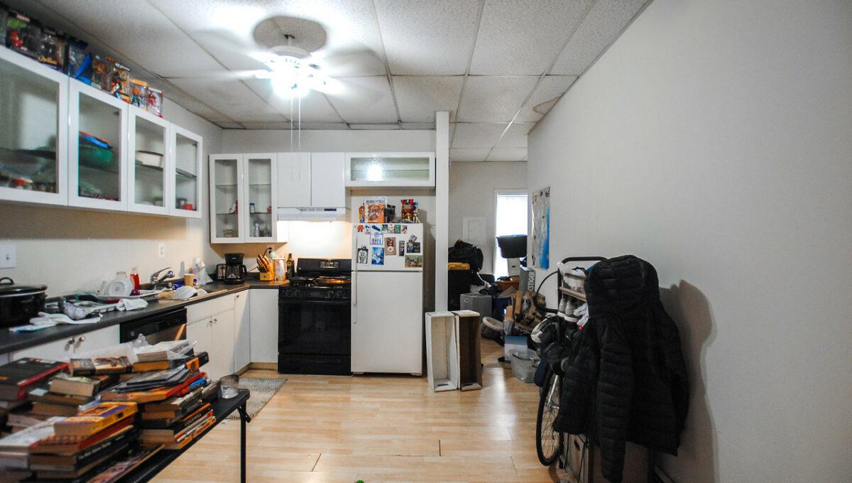 21 apt 2 kitchen