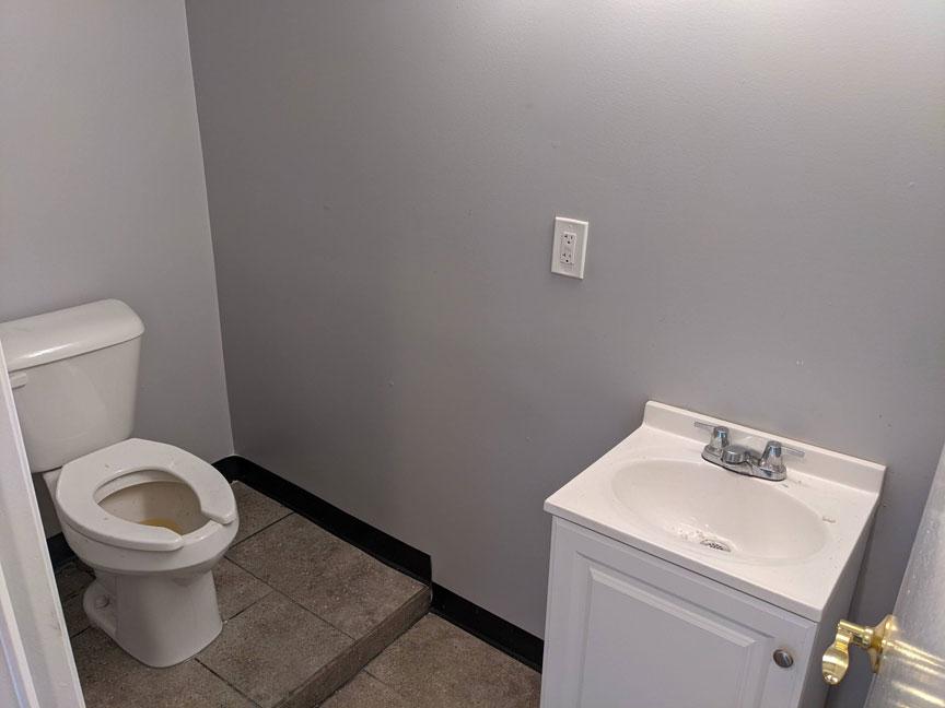 27 Basement Bathroom