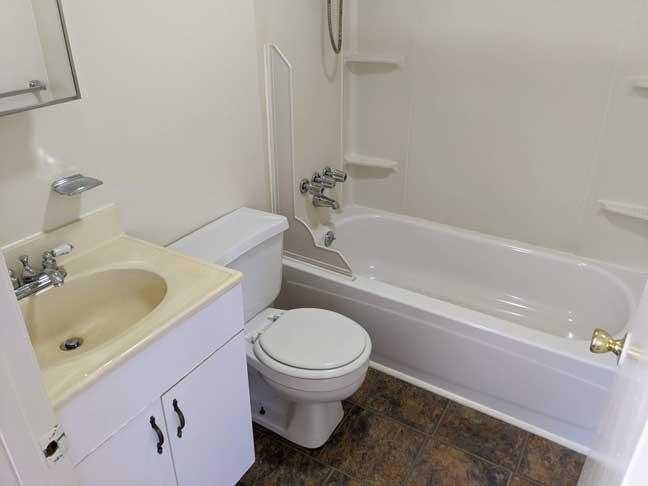 15 869 1st Flr Bathroom 1 1