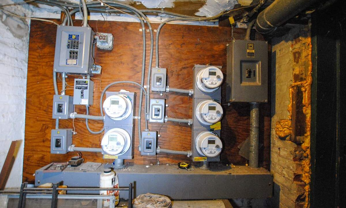 81 Electric meters 200116024833