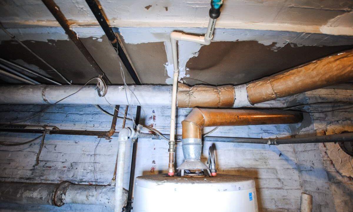 85 Asbestos pipe insulation 200116024833