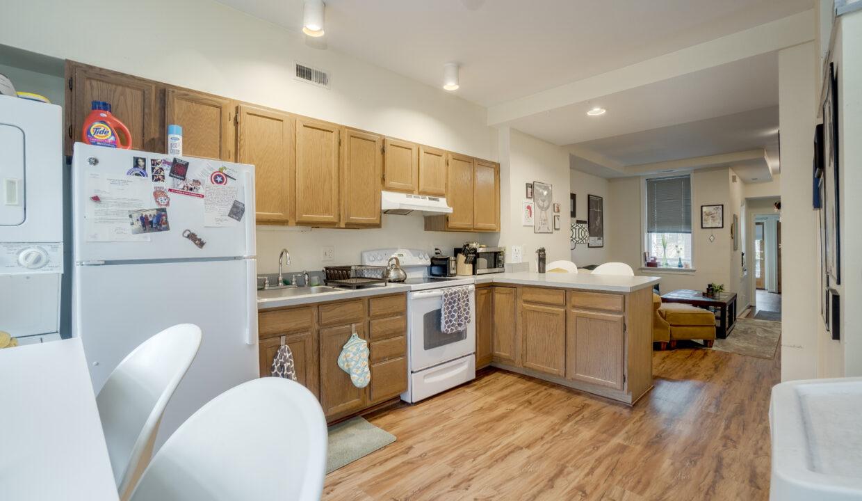 924 2 Kitchen 2v2
