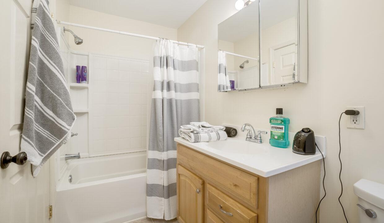 930 2 Bathroom