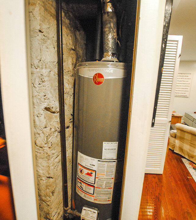 18 apt 1 water heater