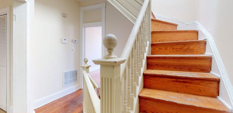 26 apt 2 hall stairs