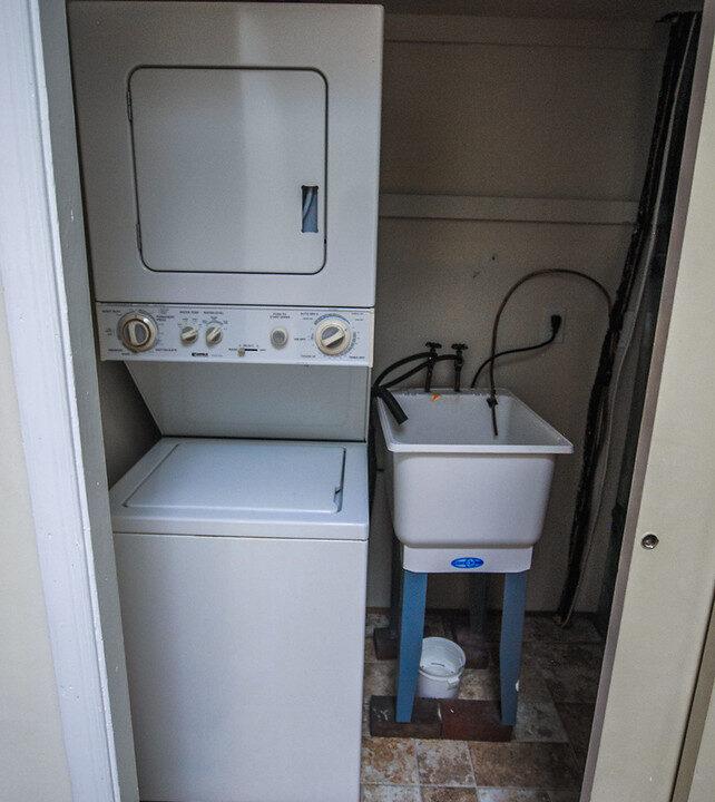 28 apt 2 washer dryer