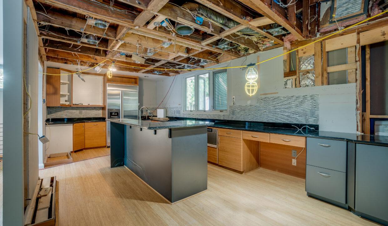 06 Kitchen scaled