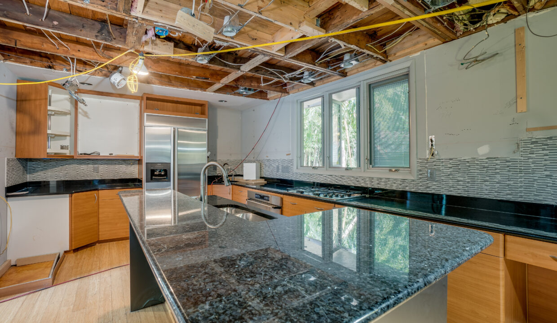07 Kitchen scaled