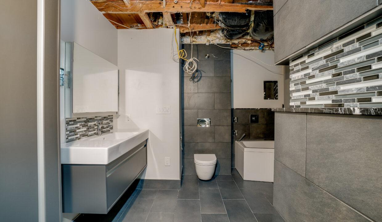 18 Bathroom 2