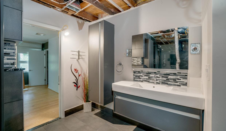 20 Bathroom 2