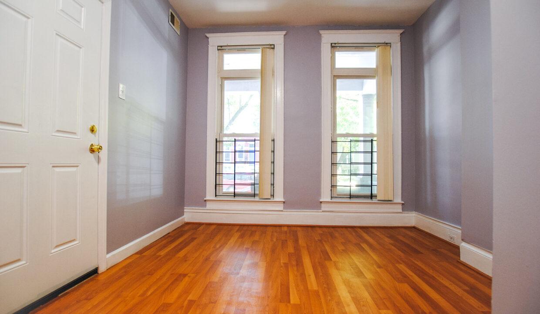 20 second floor living room