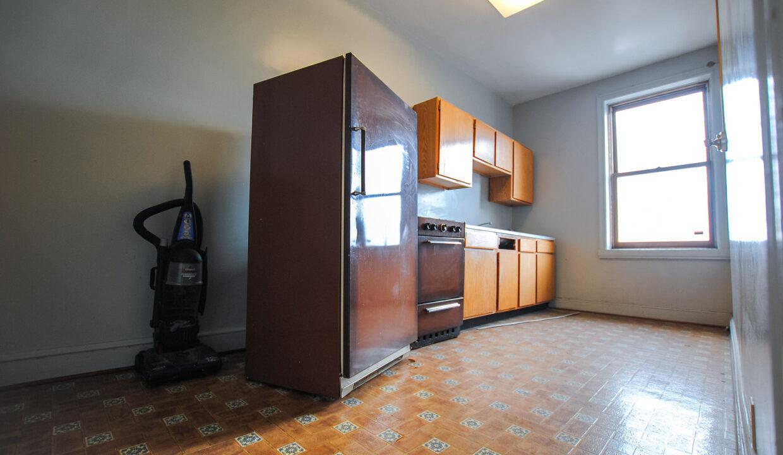 35 3rd floor rear kitchen