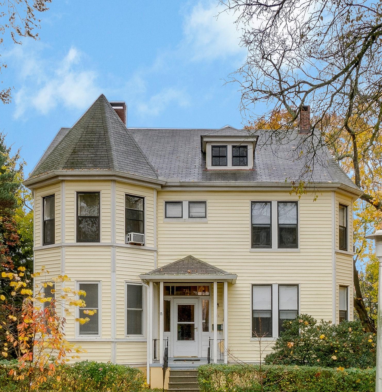 711 Gladstone Avenue: 5 apartments in Historic Roland Park
