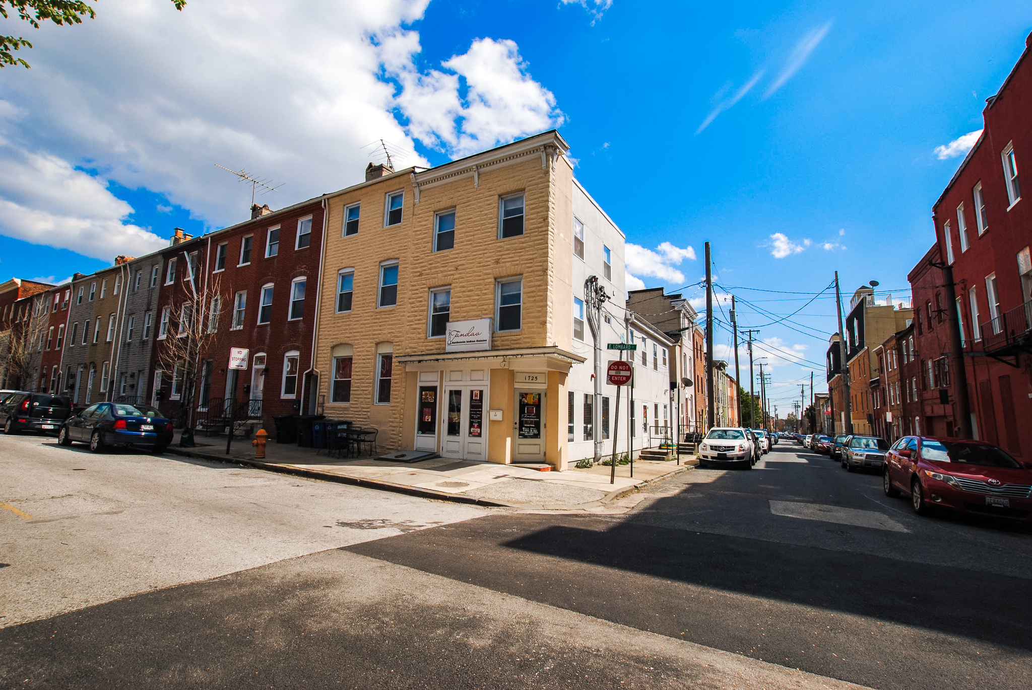 1725/1729 East Lombard St: 1 Retail Space/ 2 Apartments/ 1 Townhouse in Historic Upper Fells Point