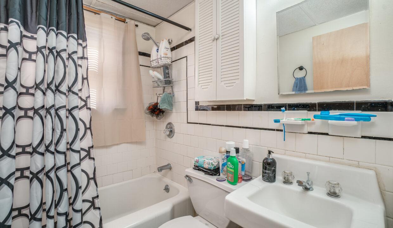 14 1st Floor Bath