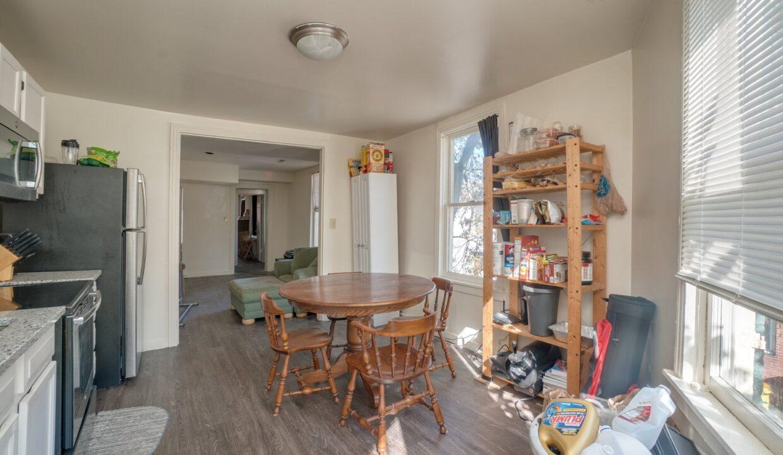 629 Melvin kitchen